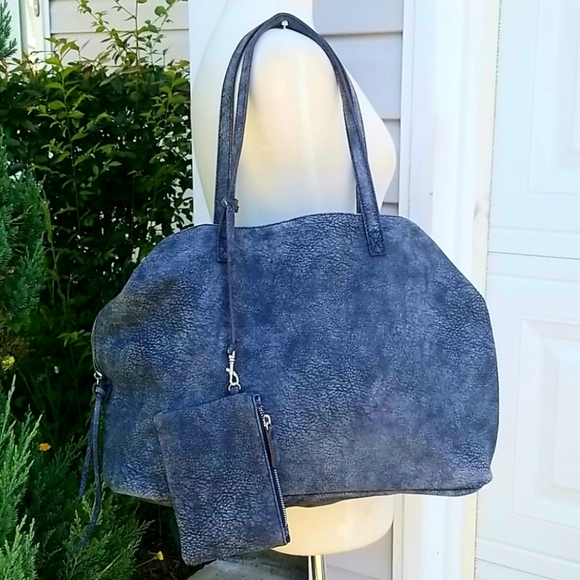 Free People Handbags - Free People Large Blue Distres Leather Slouchy Bag